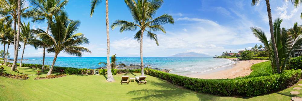 maui-oceanfront-luxury-property-rental-TTBH Yard Panorama.jpg