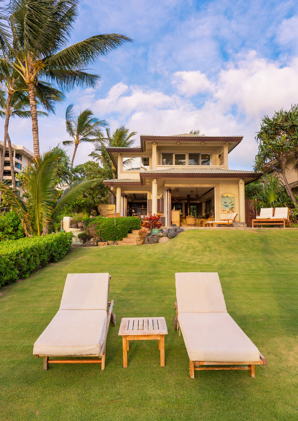 maui-oceanfront-luxury-property-rental-TTBH Yard house.jpg