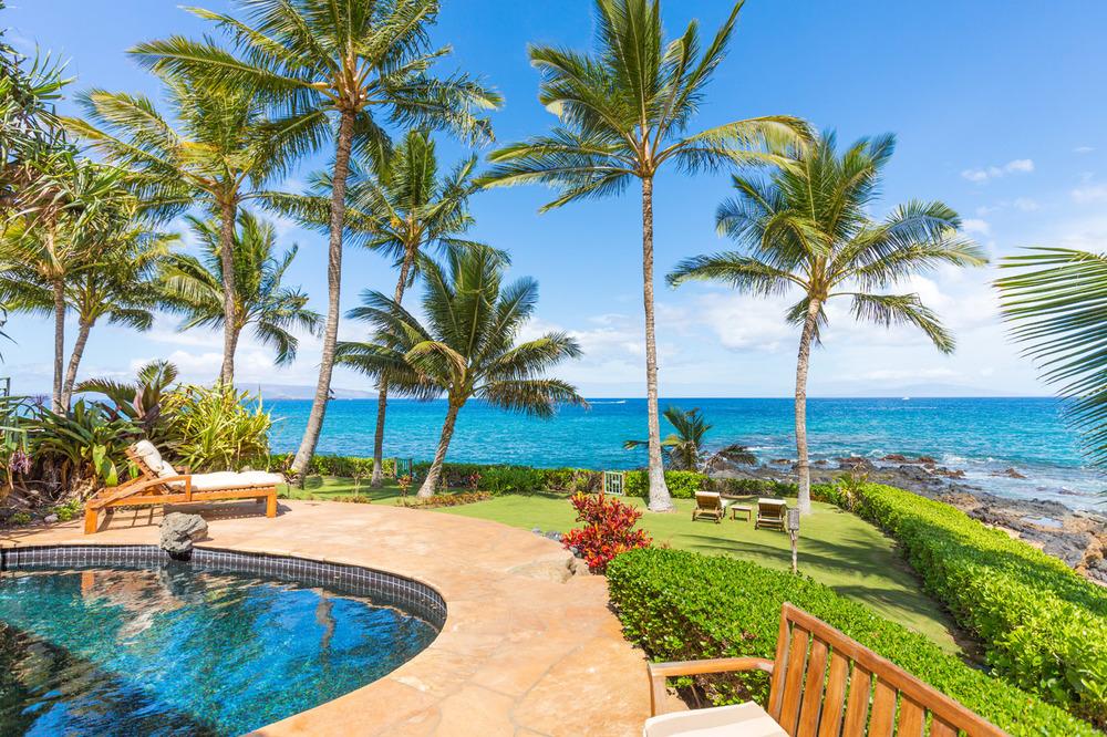 maui-oceanfront-luxury-property-rental-TTBH Pool View.jpg