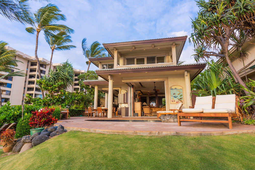 maui-oceanfront-luxury-property-rental-TTBH outside day.jpg