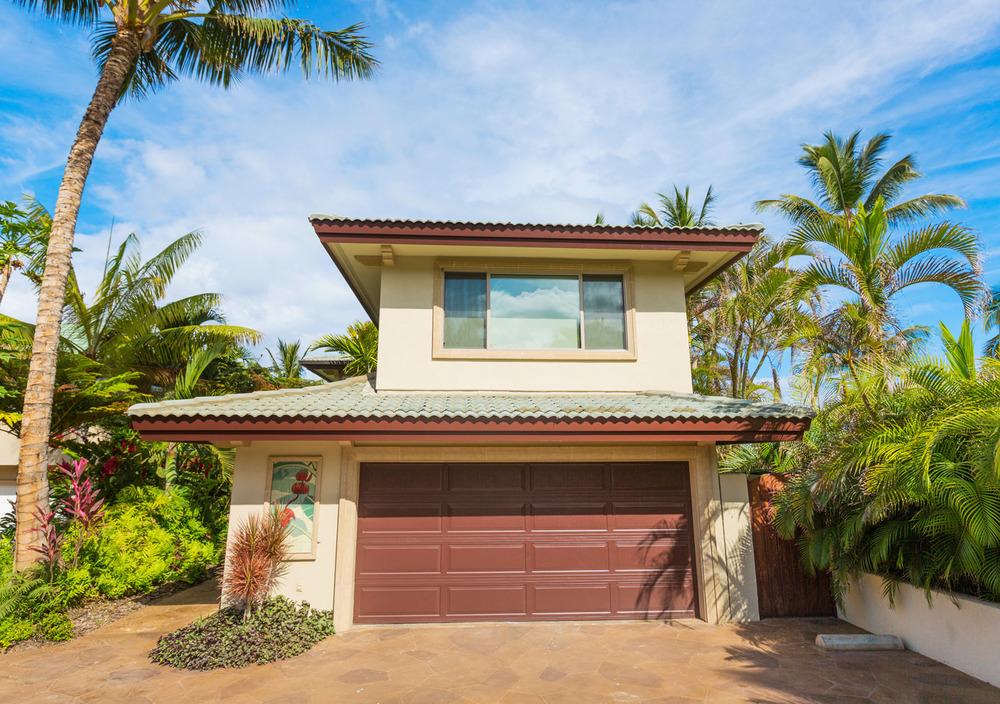 maui-oceanfront-luxury-property-rentalTTBH Garage.jpg