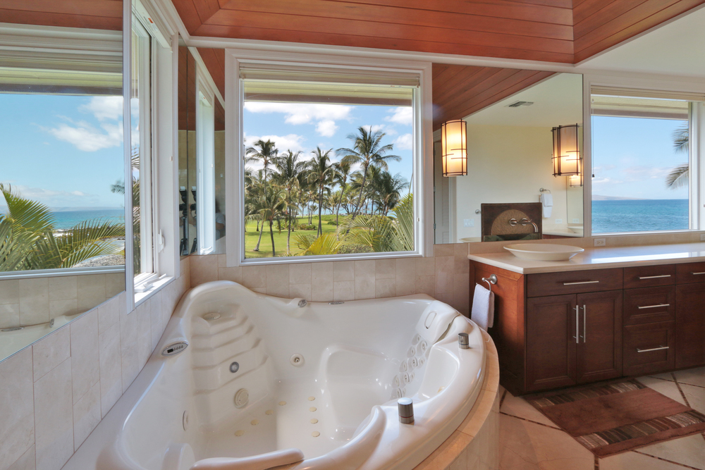 maui-oceanfront-luxury-property-rental-Bliss Master Bath Tub.JPG