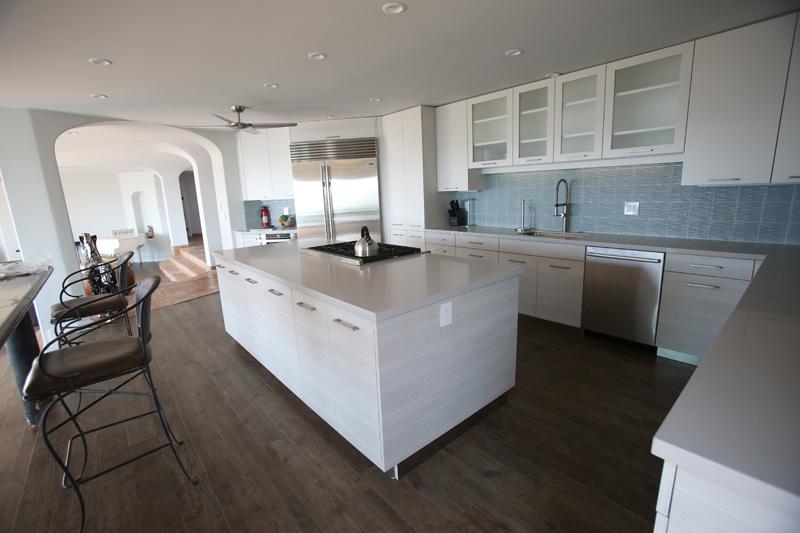 oceanfront-luxury-property-rentals-maui-5 kitchen.jpg