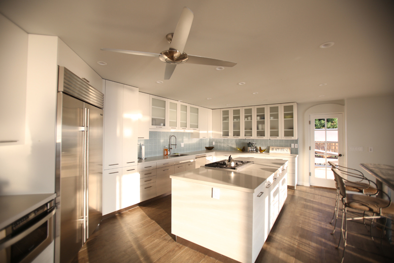 oceanfront-luxury-property-rentals-maui-6 kitchen.jpg