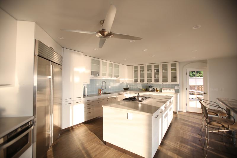 oceanfront-luxury-property-rentals-maui-6 kitchen.jpg