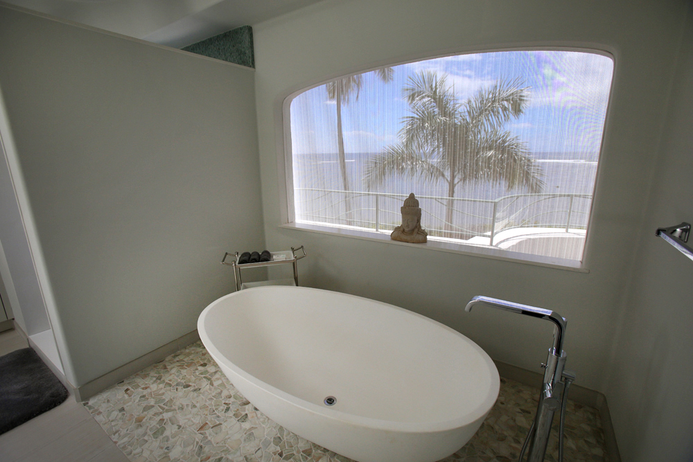 oceanfront-luxury-property-rentals-maui-Master soaking tub.jpg