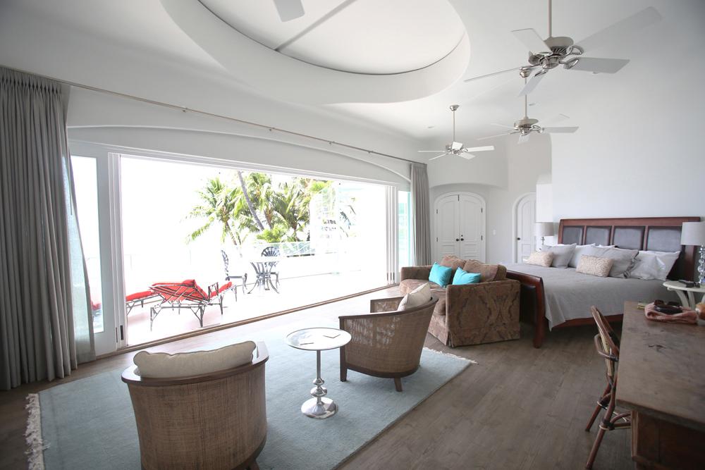 oceanfront-luxury-property-rentals-maui-masterbedroom11.jpg