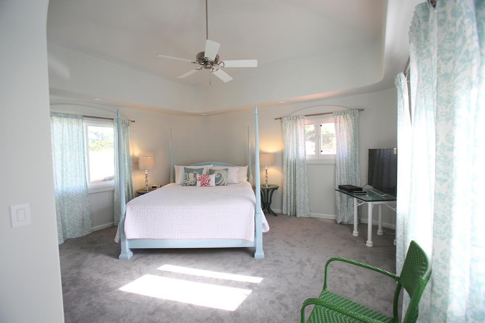 oceanfront-luxury-property-rentals-maui-Napili Bay Bedroom.jpg