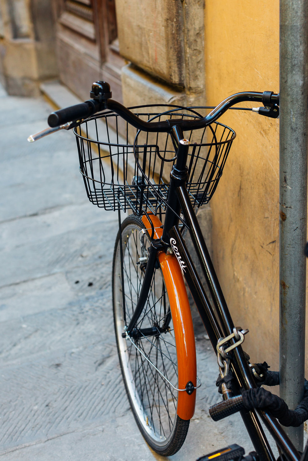 Black and Brown Bike Florence (1 of 1).jpg