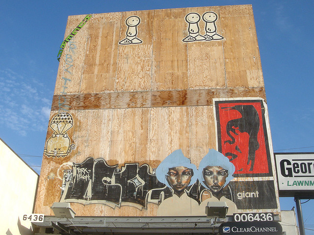 David-Choe-Giant-Robot-Billboard-Graffiti