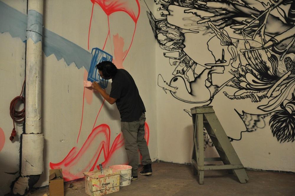 260-2011-david-choe-dvs1-street-art-nuart-festival-05.jpg
