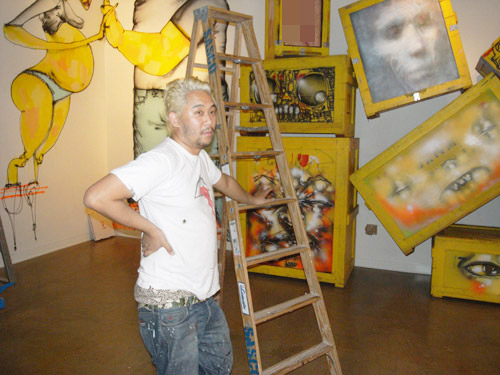 David-Choe-Giant-Robot-Biennale-01