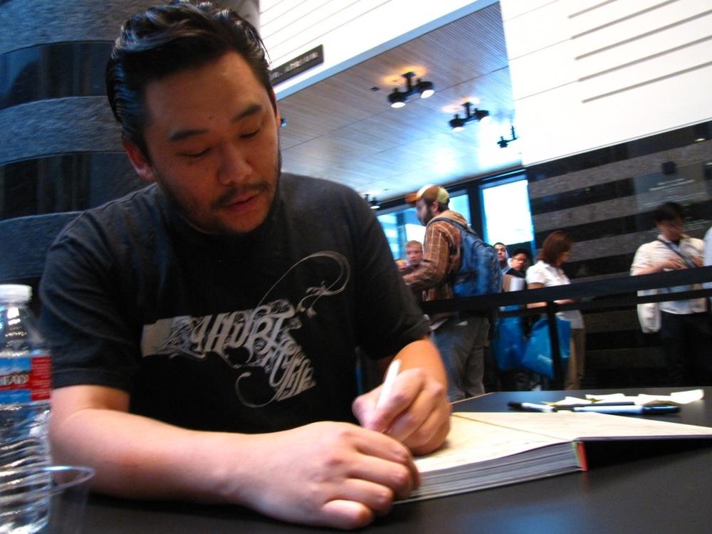 David-Choe-Signing-SFMOMA-07