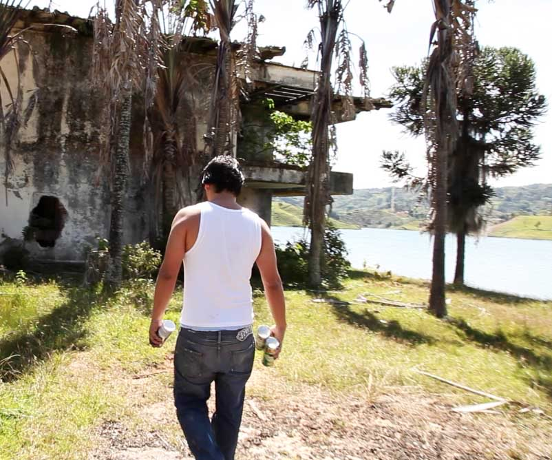 David-Choe-at-Pablo-Escobars-abandoned-vacation-home-17