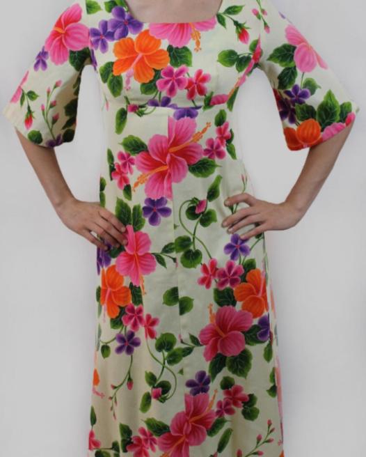 Choe style vintage Ui Mai-Kai Hawaiian dress
