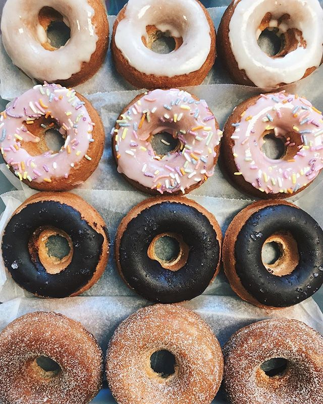 Grab a vegan donut from our favorite @thecaffeinatedkitchen this Saturday [4.28] for Caffeine Crew! ☕️ signup link in bio ☕️