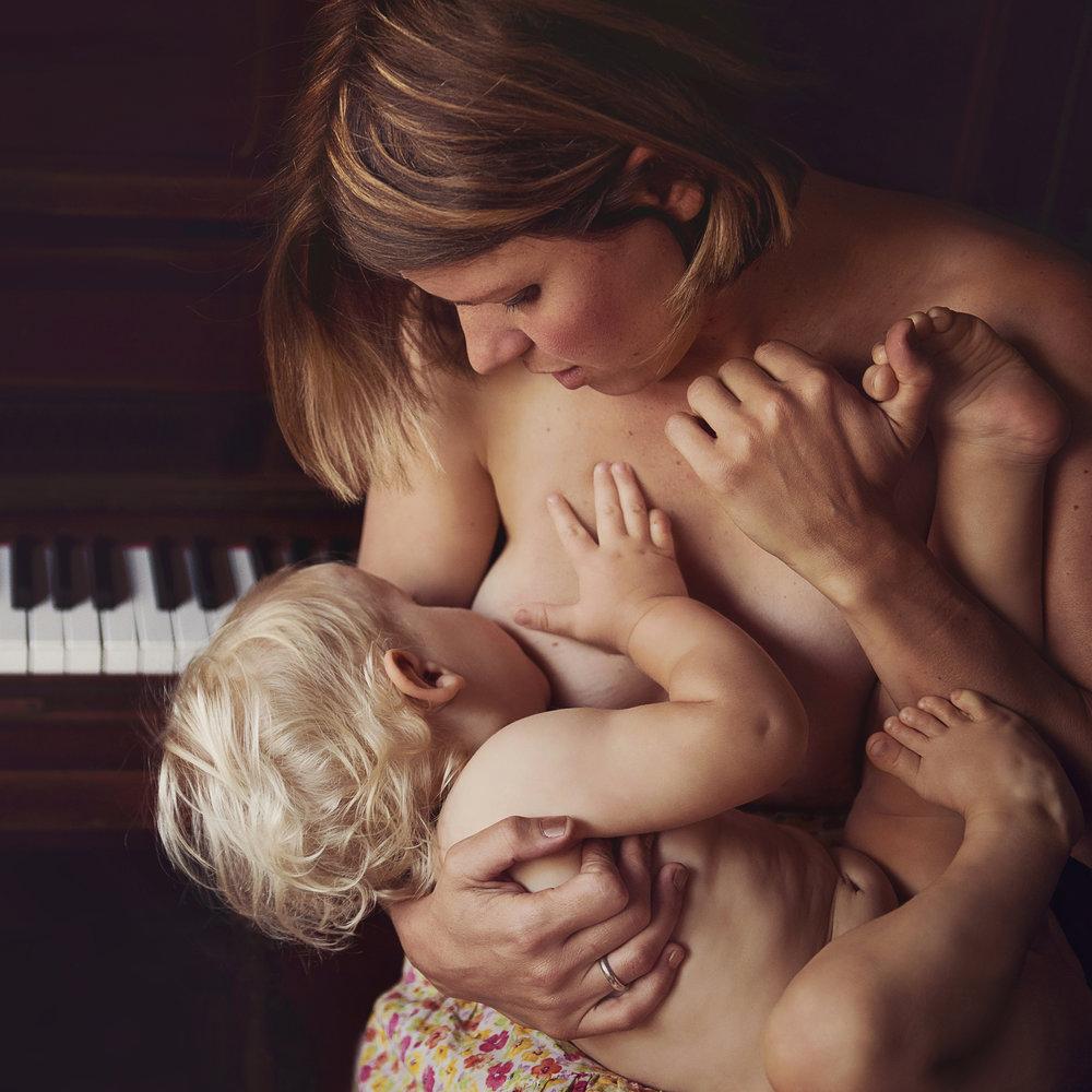 Belle Verdiglione Birth Photography Photographer Pregnancy Maternity Photoshoot Motherhood Family Breastfeeding