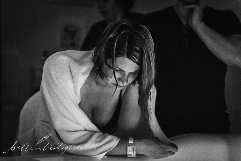 Belle Verdiglione Birth Photography Photographer Perth Mum Birth Waterbirth Support Doula Midwife Dad