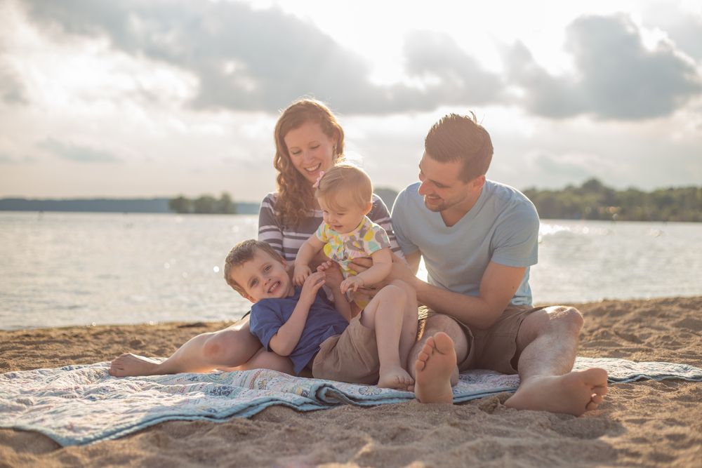 Pewaukee Waukesha Beach Family Lifestyle Photography