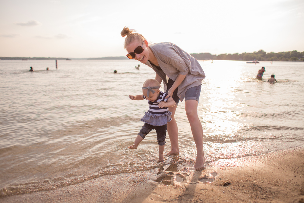 pewaukee sussex vanessa wyler family photography lifestyle beach