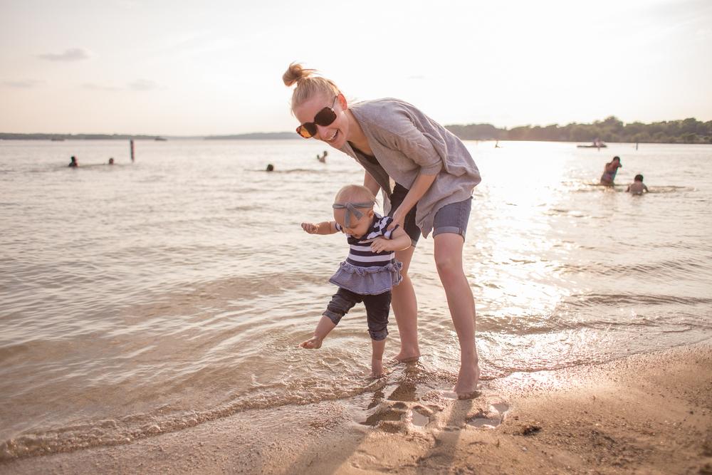 pewaukee sussex vanessa wyler family photography lifestyle beach