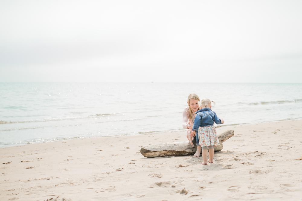 Pewaukee Beach Photographer Vanessa Wyler