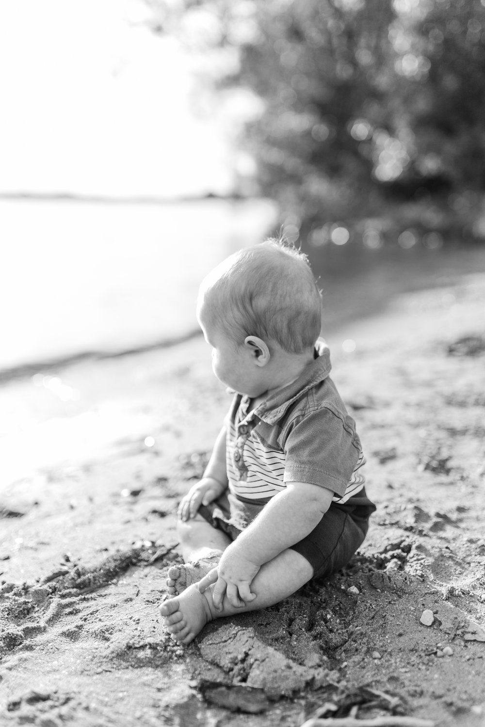 vanessa wyler pewaukee family photography nagawaukee park delafield 6 months old