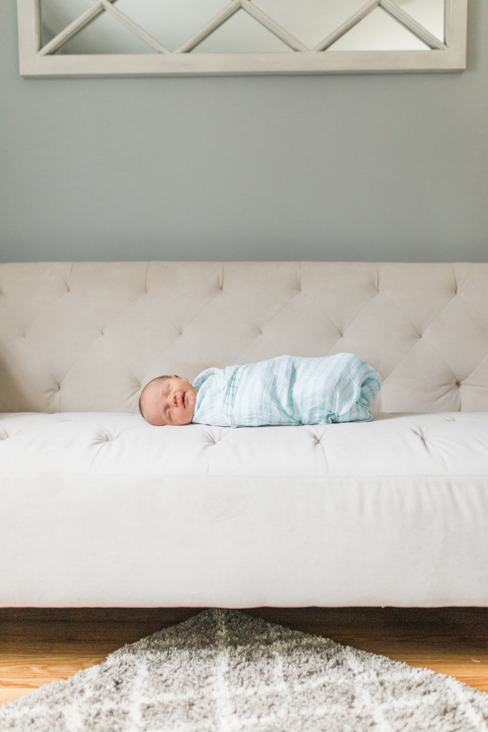 vanessa wyler lifestyle in home newborn photography waukesha milwaukee