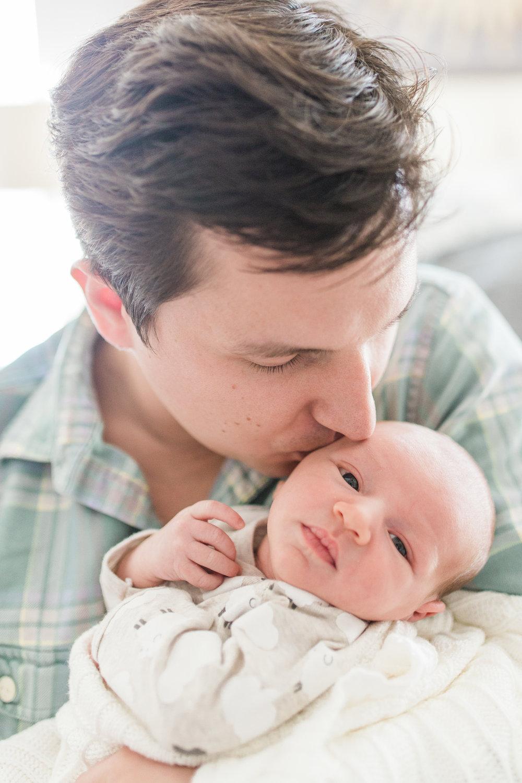 vanessa-wyler-lifestyle-newborn-photography-pewaukee