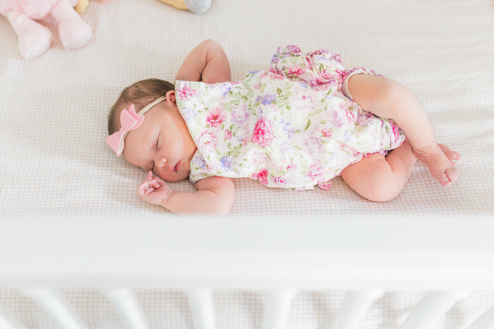 vanessa wyler newborn lifestyle in-home photography hartland pewaukee wi