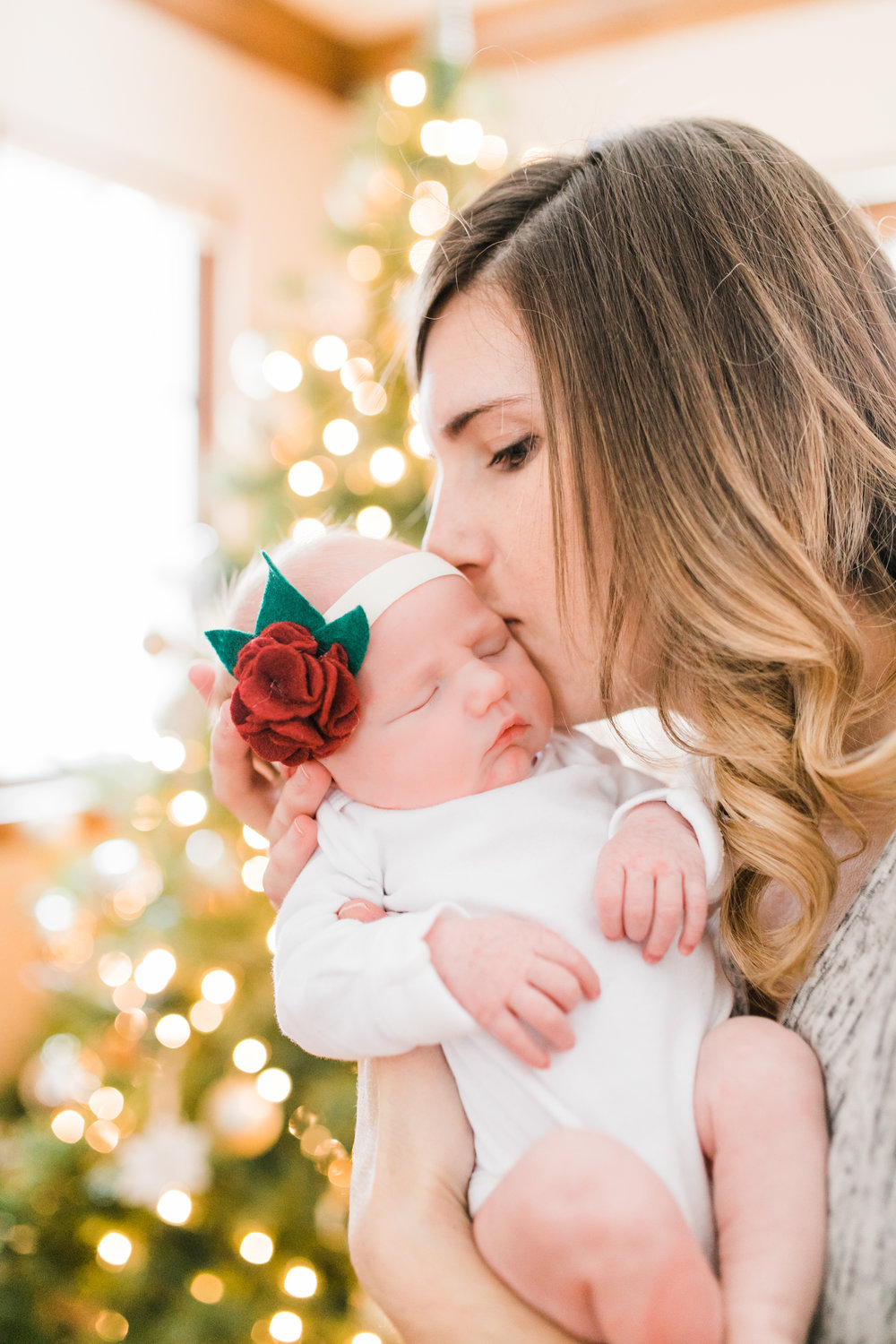 tosa newborn photography lifestyle vanessa wyler light airy film style christmas baby