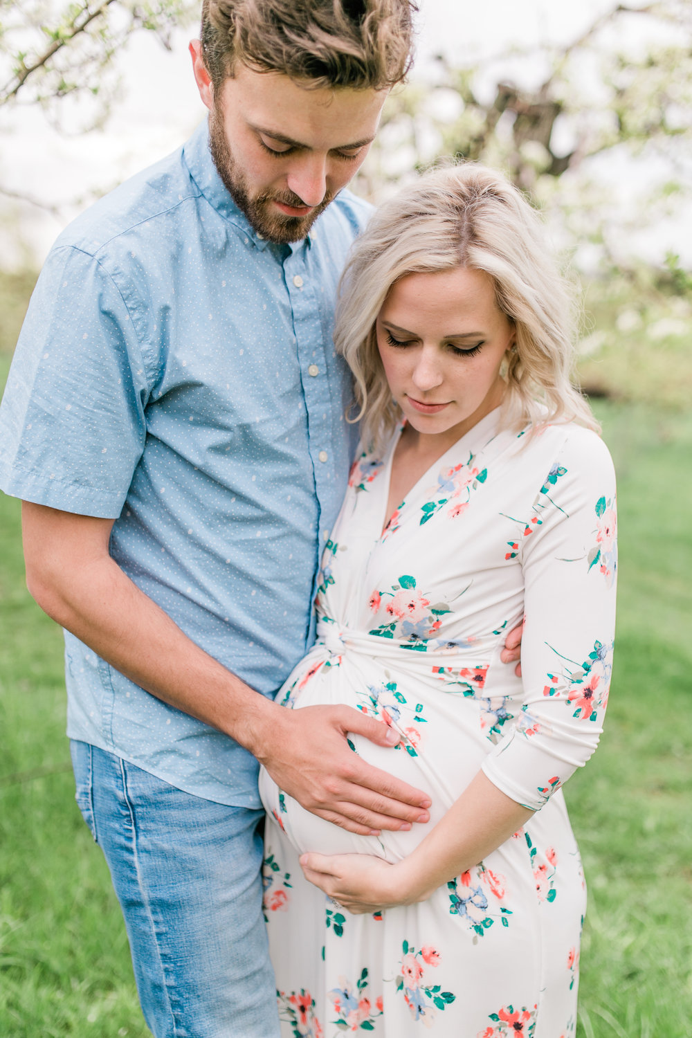 apple orchard photography maternity vanessa wyler pewaukee photographer