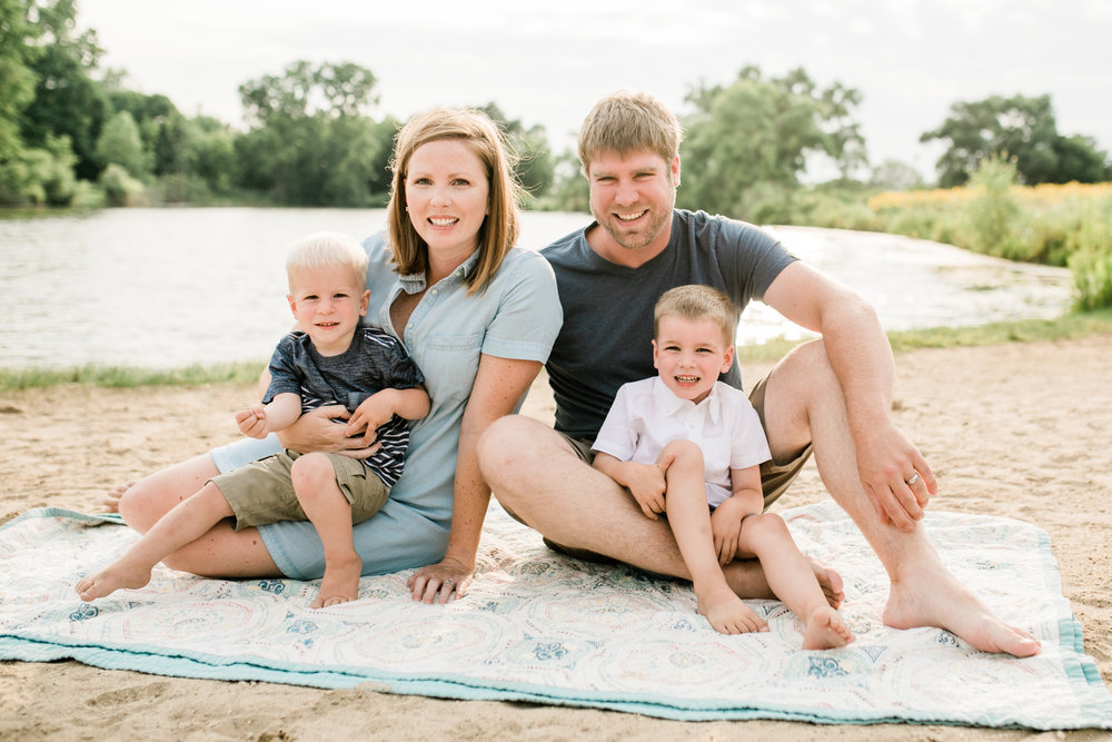 vanessa wyler beach family photography in waukesha pewaukee