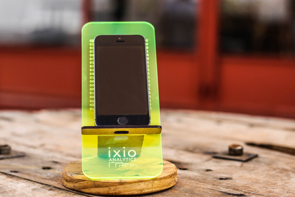 cell phone stand_3.jpg