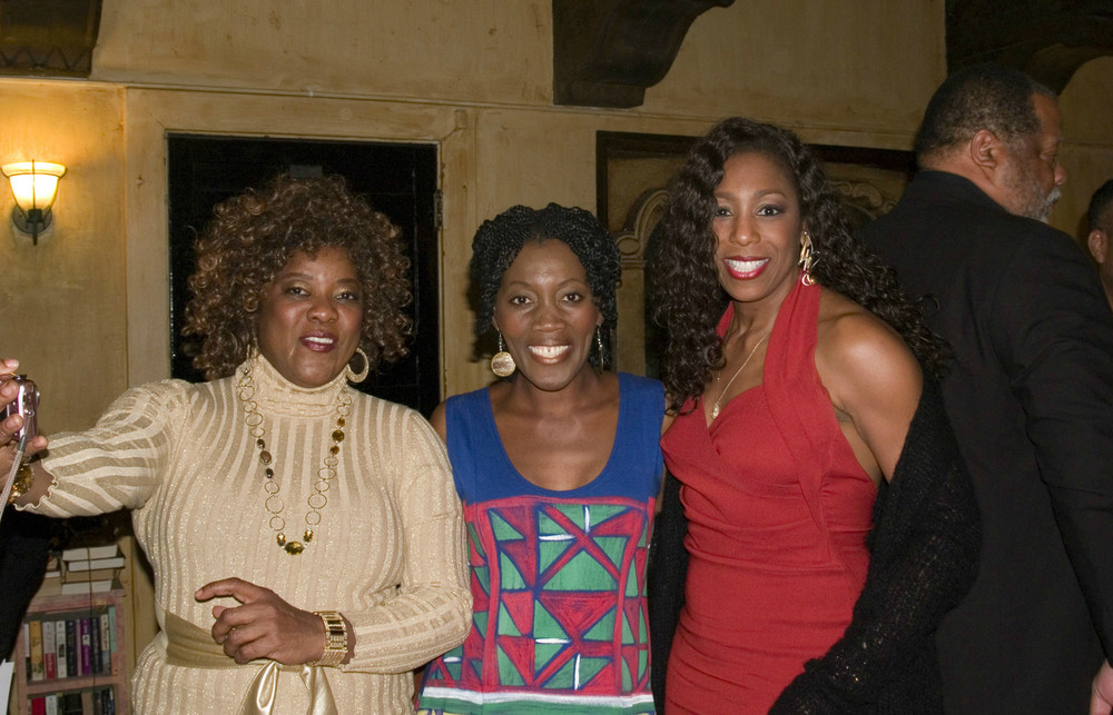 FROM LEFT: DREAM GIRLS ACTRESS LORETTA DEVINE, ACTRESS AKUYOE GRAHAM, AND ACTRESS/SINGER DAWNN LEWIS.