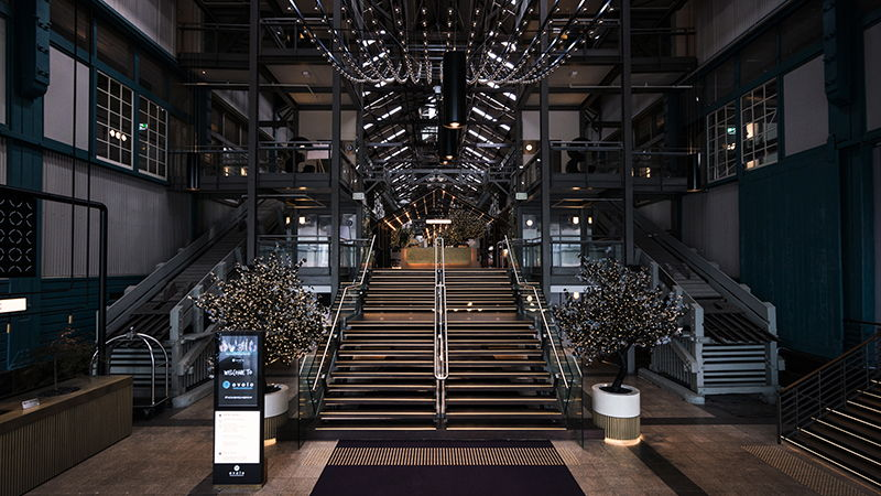 WHY A HOTEL LOBBY SHOULD ALWAYS SPARK THE IMAGINATION - THE AUSTRALIAN ART CURATOR BLOG