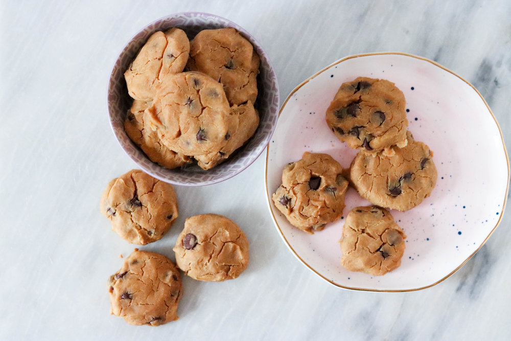 chickpea pb chocolate chip cookies