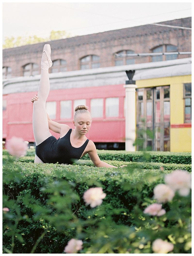 Ballerina stretching in Chattanooga Choo Choo gardens