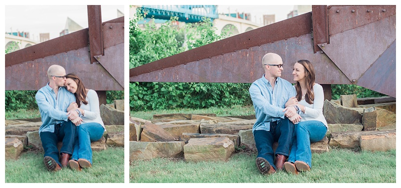 engagement pictures with sculpture backdrop