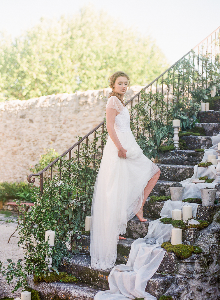 Beautiful Barefeet French bride