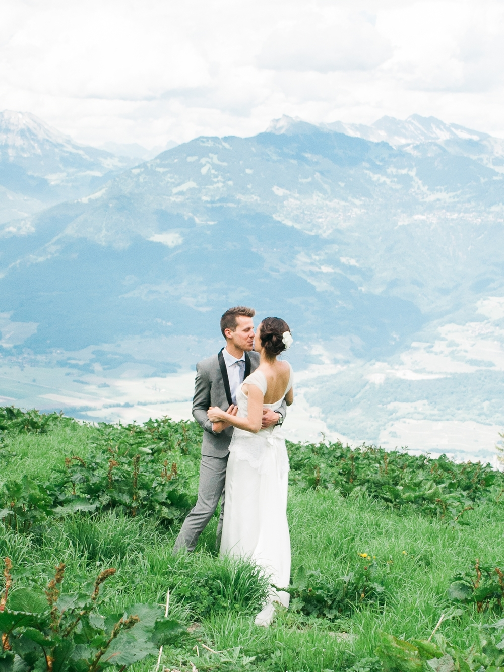 celine-chhuon-switzerland_rustic_wedding46-3.jpg
