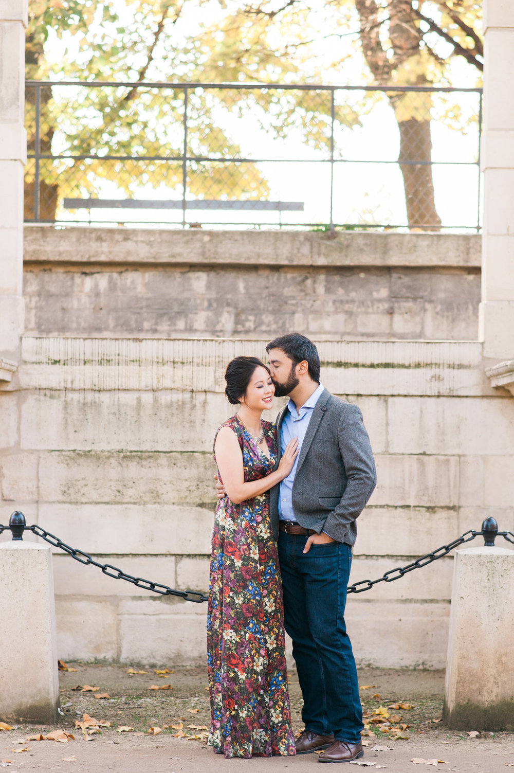 Couple anniversary session in Paris