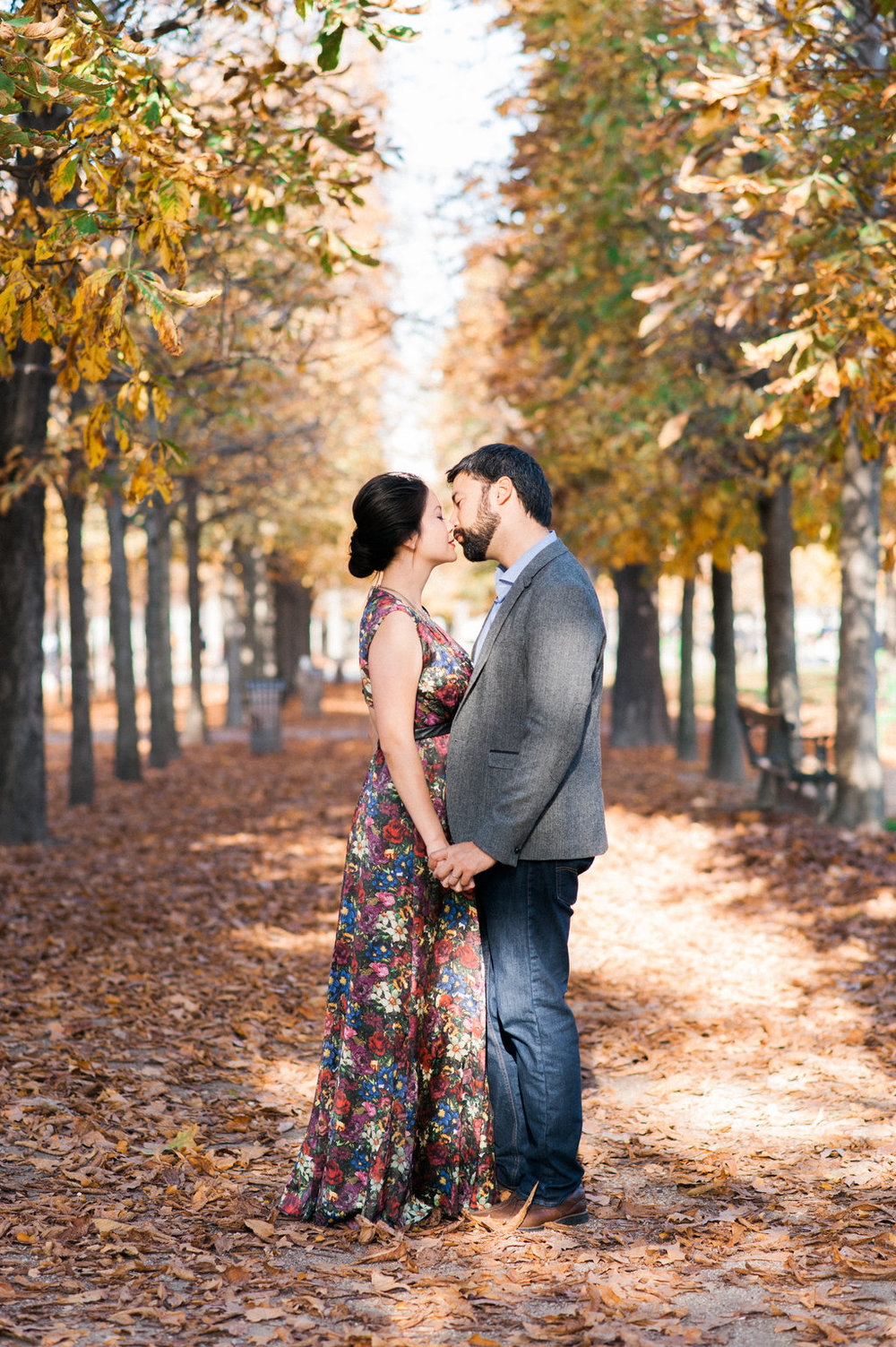 parisian_autumn_engagement_tuileries_garden (29).jpg