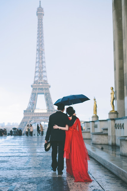 Romantic elopement Prewedding in Paris