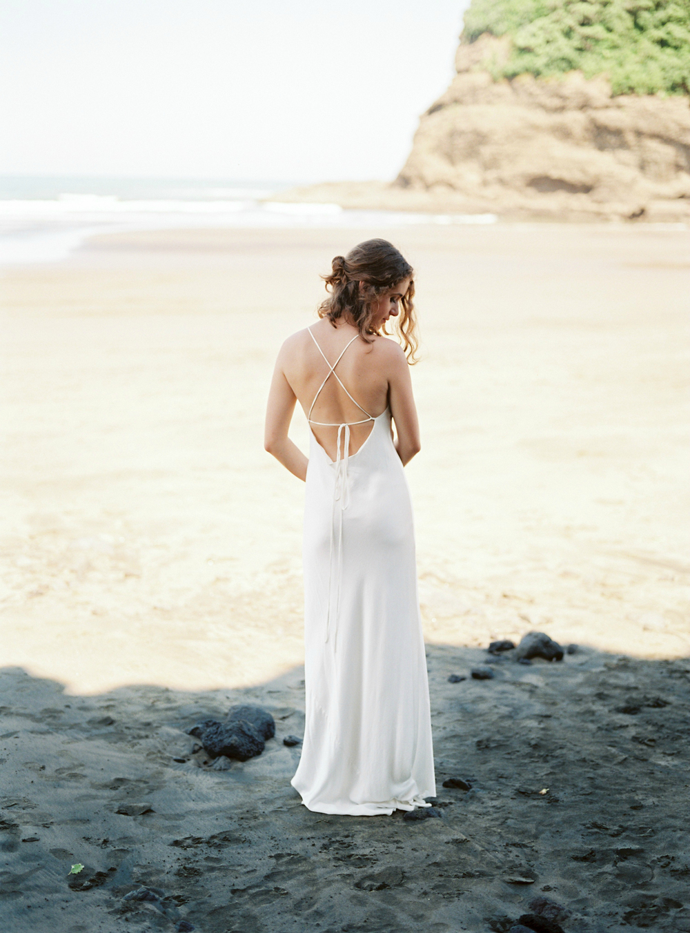 Bare back simple dress for beach wedding