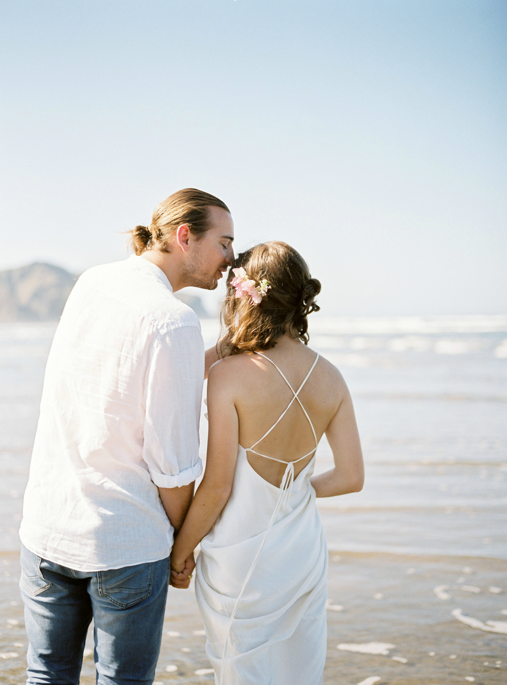 Simple Wedding on the beach in New Zealand