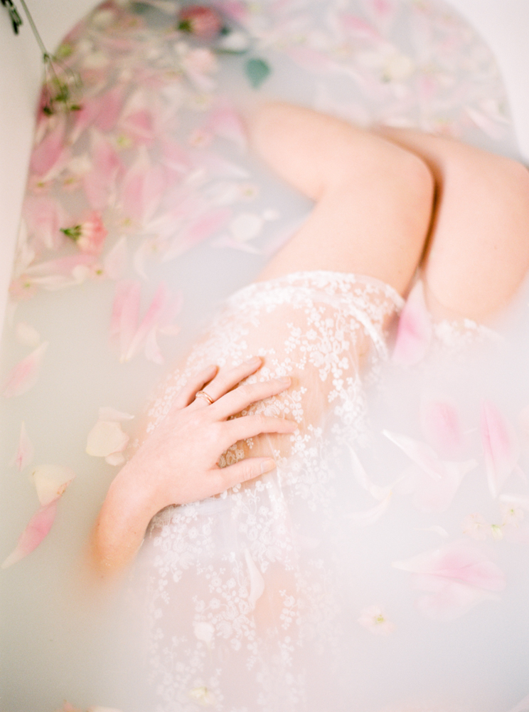 delicate-romantic-boudoir-session-celine-chhuon-violette-tannenbaum (2).jpg