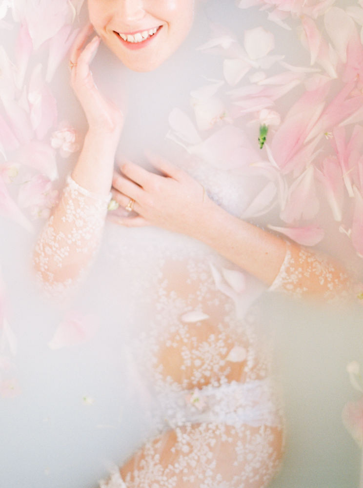delicate-romantic-boudoir-session-celine-chhuon-violette-tannenbaum (8).jpg