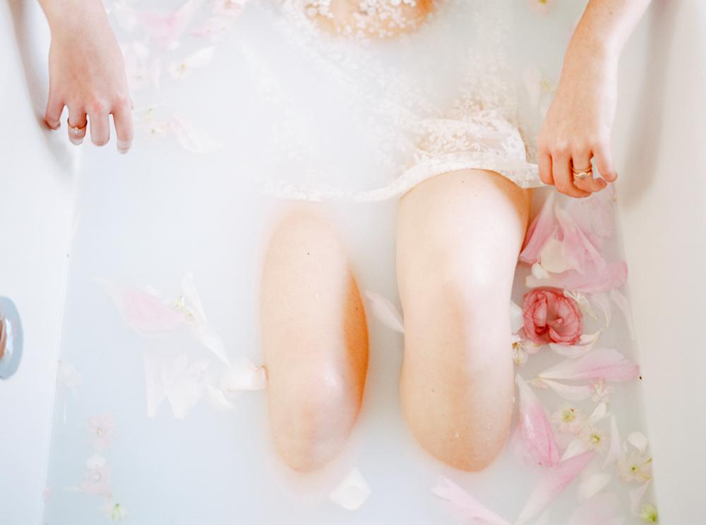 delicate-romantic-boudoir-session-celine-chhuon-violette-tannenbaum (23).jpg