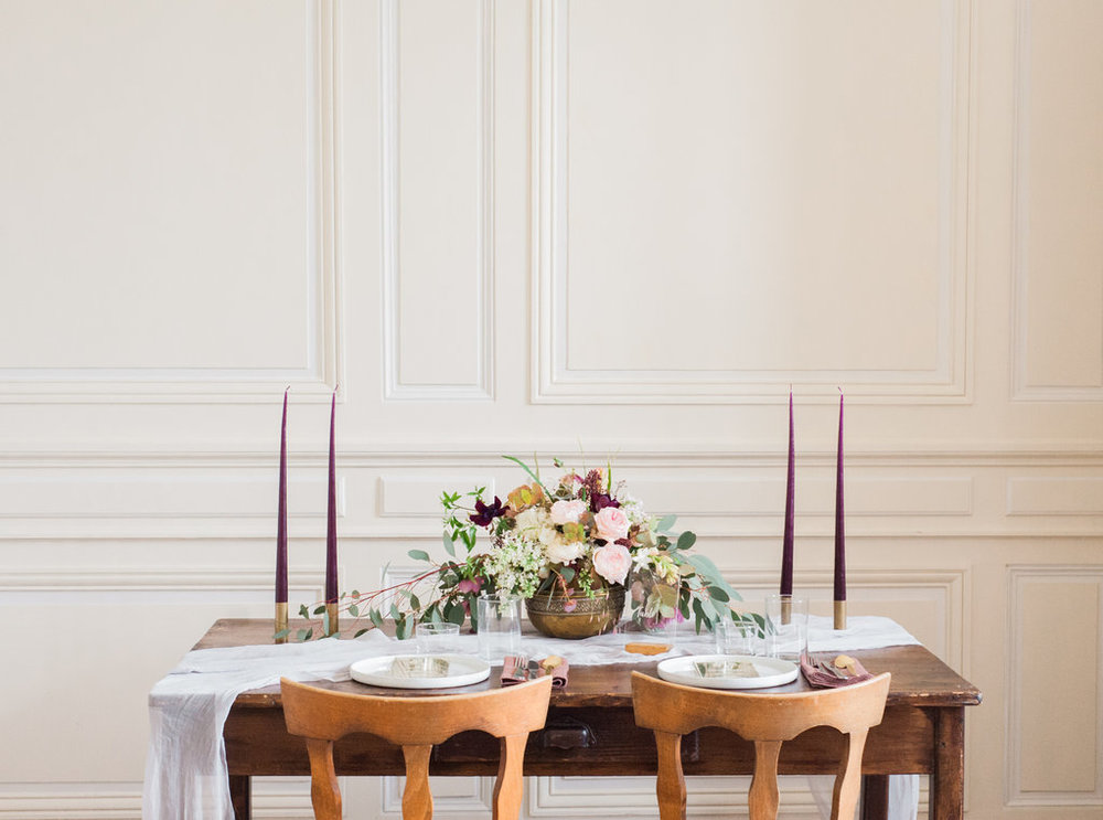 Modern wedding table for intimate weddings